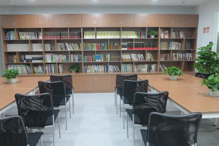 重慶三中英才_圖書室