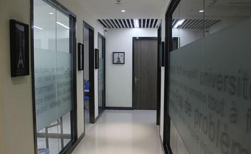 廣州笨豬法語學校_校區走廊