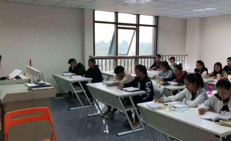上海精銳留學_上海精銳課堂學習