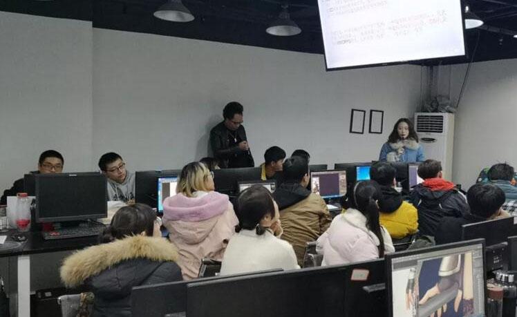 上海匯眾教育_老師授課