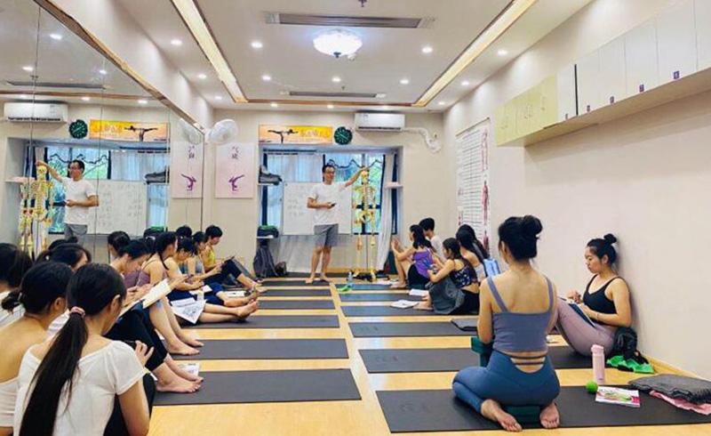 廣州東方瑜伽_理療瑜伽課