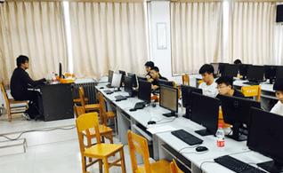 天津職坐標教育_上課氛圍